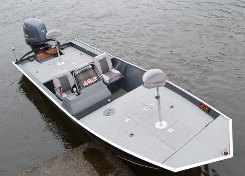 Lancha Levefort Big Bass Charger