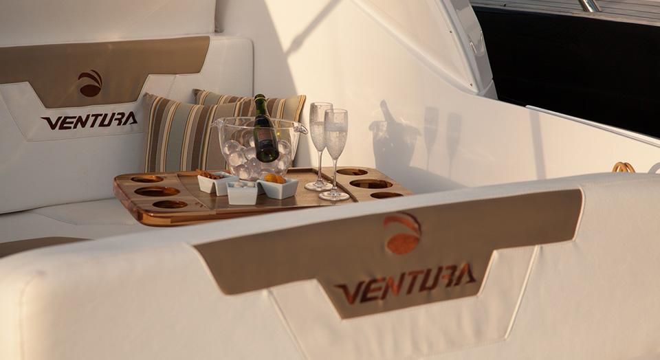Lancha Ventura V330