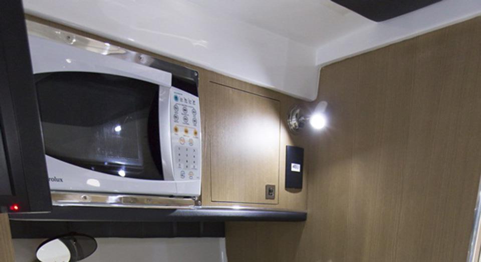 Lancha Ventura V350 HT