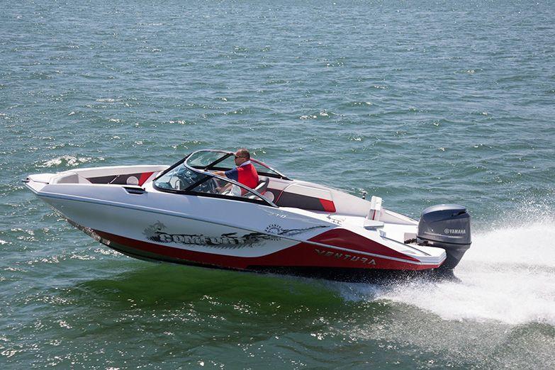 Lancha Ventura V210