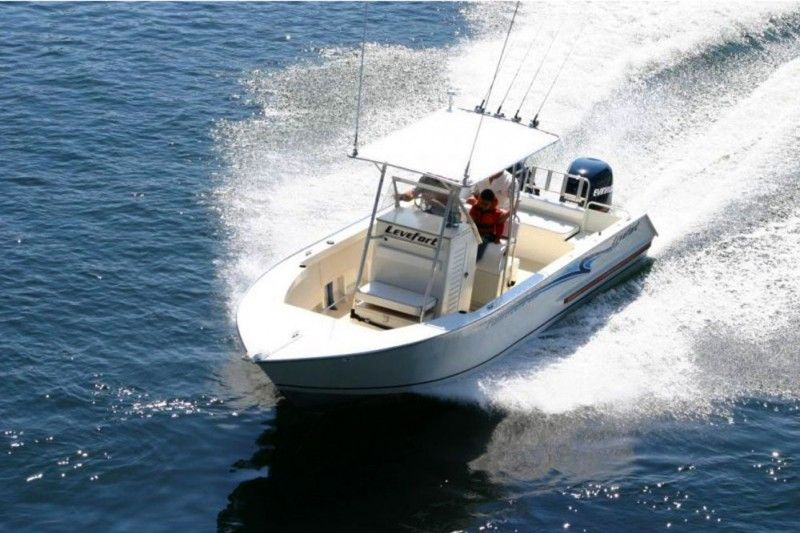 Lancha Levefort 260 FISHAROUND